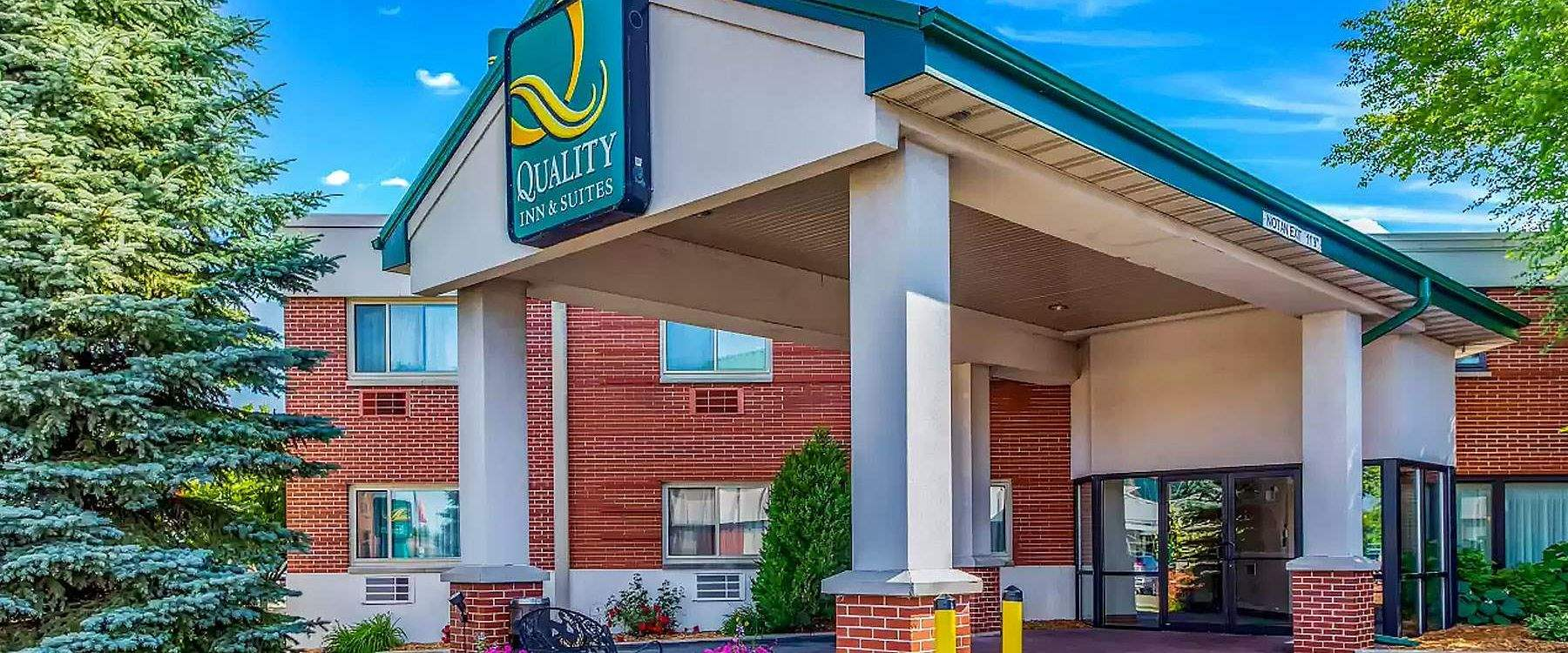 Quality Inn & Suites Downtown at Green Bay